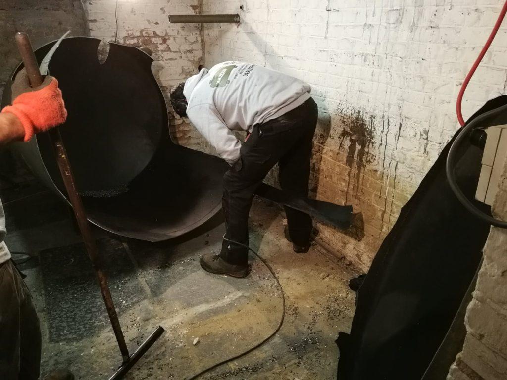 JB Pro Cuve procède au découpage d'une citerne à mazout en cave