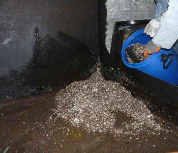 Nettoyage d'une cuve aérienne lors du découpage à Tubize